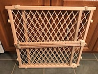 Brand new baby/Pet gate....pressure mounted....no hardware required Toronto, M1C 4N4