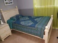 blue and white floral bed sheet Windsor, N8W 5S4