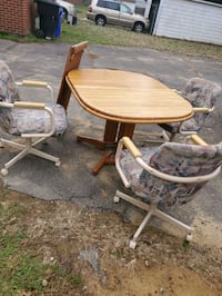 Table leaf 3 chairs