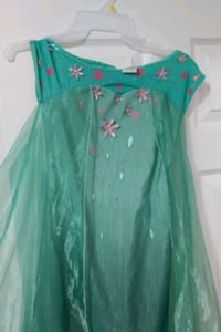 Beautiful  costume for girls size 8 to 12 years  Milton