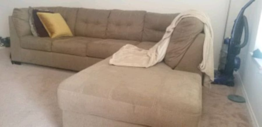 2-piece sectional. Excellent condition!  a6c821d1-10aa-41e9-925a-3f5cb54adf87