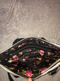 A Besty Johnson Purse , Brand New , In Good Condition ! Minneapolis, 55407
