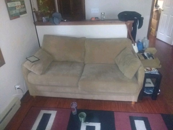 Astounding Used Love Seat Couch With Hide A Bed For Sale In Eugene Spiritservingveterans Wood Chair Design Ideas Spiritservingveteransorg