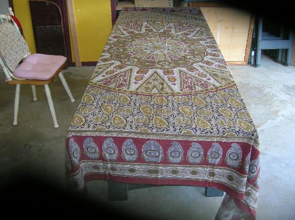 Rayon Table Cover from India f52300d5-13be-40c4-b658-4a6ddbf13c00