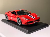 1:18 scale diecast model car by Maisto