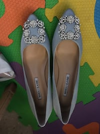 Pair of white leather pointed-toe flats New York, 10002