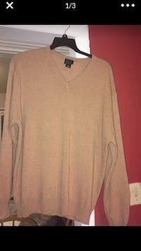 Jos. A. Bank ladies Cashmere sweater size XL Bowie, 20715