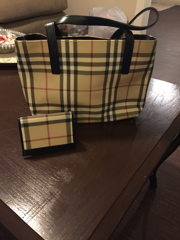 a296bff1cab0 Used Authentic Burberry Purse and Wallet for sale in Gainesville - letgo