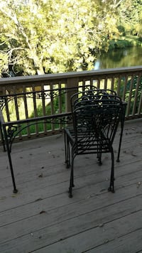 Iron table and chairs Chester Springs, 19425