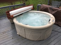 white and brown hot tub Leesburg, 20176