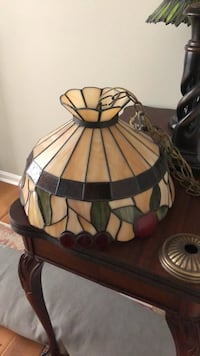 stained glass hanging lamp ... with nostalgic apple pattern!