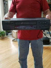 VCR with 5 VCR tapes with movies on them Frederick, 21702