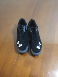 Under Armour Cleats Size 9.5 mens Surrey, V4A 8G9