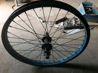 black and blue bicycle wheel Bakersfield, 93307