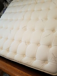 pillow top mattress  Shoreline, 98133