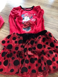 Minnie Mouse outfit s both for 15 size 4 and 5 Toms River, 08757