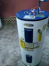 Electric hot water heater. Works Mobile, 36605
