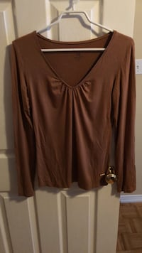 brown v-neck long-sleeved shirt Guelph, N1L 1T4