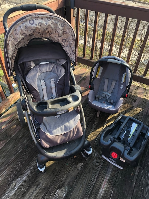 Graco Car Seat, Base and Stroller Travel System