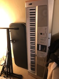 88-Key Yamaha Keyboard with Stand and Pedal Oakland, 94610