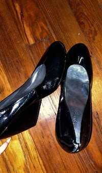 Black Close Toed Wedges (10) Middletown, 10940