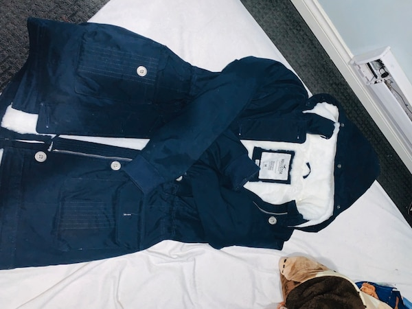 Hollister cozy lined parka jacket. fcc46201-45b8-4def-b152-31e69639fda2
