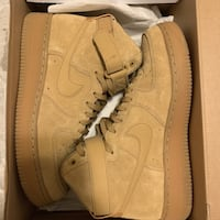 WMS SIZE 9 AIR FORCE ONES MID Toronto, M1E