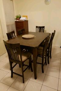 DINING TABLE WITH 8 CHAIRS Brampton, L6P 2C5