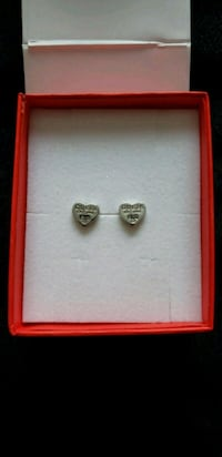 Guess rhodium-plated heart earrings Everett, L0M 1J0