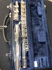YAMAHA STANDARD C FLUTE - Lightly Used- Excellent Condition!