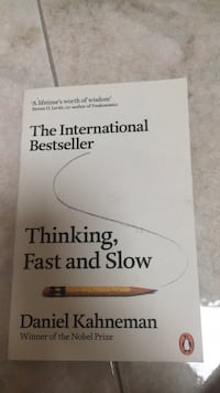 Book: thinking fast and slow  Rovello Porro, 22070