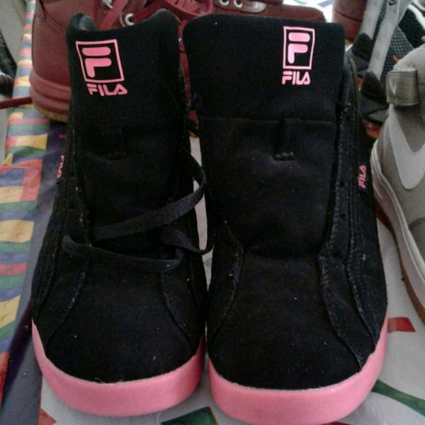 1a1e14302148 Used pair of black-and-red Air Jordan shoes for sale in Bronx - letgo
