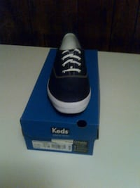 black and white Adidas low-top sneaker with box Mobile, 36612