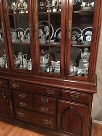 Two piece China cabinet display unit Calgary, T2G 5J5
