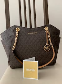 Michael Kors purse. Authentic. New Burnaby, V5H 4E4