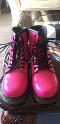 Hot pink Dr. Marten boots Girl Size 11 Woodbridge, 22193