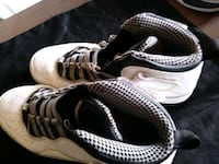 pair of white-and-black Nike sneakers Austin, 78757