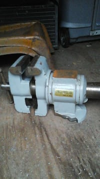 5 in 1 vice with stand needs welded to stand  Weston, 26452
