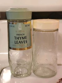 Glass Spice Containers - Cute Vintage Labeling (Thyme)