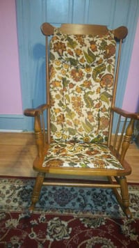 brown wooden framed brown and red floral padded ar Columbia, 17512
