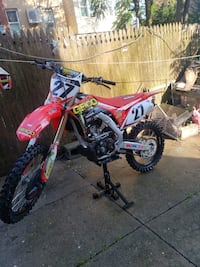 2018 CRF250R Up for sale ready to rip 30hrs