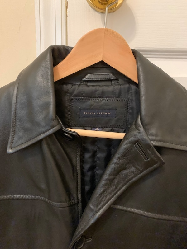 Banana republic men's leather jacket size small. 4a22ebab-3bc6-434b-b313-32aea3a59257
