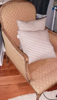 Elizabethan chaise lounge chair antique olive/mustard furniture