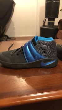 Kyrie 2 Raindrop Edition Size 7 Negotiable Price Calgary, T1Y 6J2