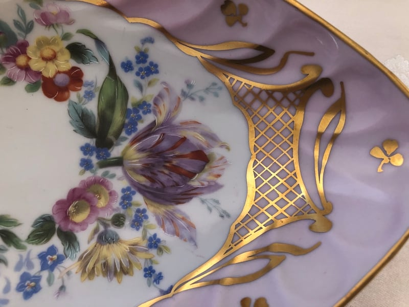 French Limoges hand painted bowl f493f245-c26b-421b-85f6-961c457a4e1f