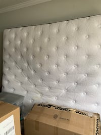 King size floral mattress with box board. Good condition Olney