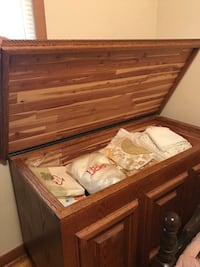 Solid hand crafted oak chest cedar lined Toronto, M9V 4R9