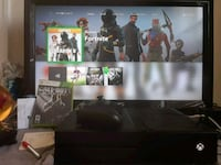 Xbox One console with controller and game cases Compton, 90221