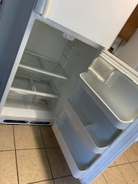 white top-mount refrigerator San Antonio, 78249