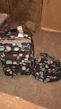 Jansport suitcase and travel bag! Great condition! Simpsonville, 29680